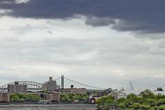 r_180521133_beat0042_a (Mitch Waxman) Tags: astoriaqueens eastrivershoreline queens rooseveltisland triboroughbridge newyork