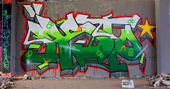 Oldenburg - (street: Melkbrink) 429th picture / Graffiti, street art (tusuwe.groeber) Tags: projekt project lovelycity graffiti germany deutschland lowersaxony oldenburg city streetart niedersachsen farbig farben favorit colourful colour sony sonyphotographing nex7 bunt red rot art gebäude building gelb grün green yellow konzept concept wall wand halloffame wandgestaltung lager lagerhalle hall halle melkbrink