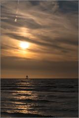 Il était un petit navire .... (Des.Nam) Tags: mer paysage bateau voilier coucherdesoleil desnam fuji fujinon fujifilmxpro1 leffrinckoucke nordpasdecalais nord flandres hautsdefrance merdunord takumar