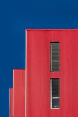 Rectangles rouges (Matthieu Plante) Tags: france europe canon mattfolio archi architecture architect building build batiment tole angle window sky blue