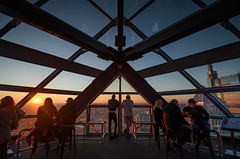 Sunset in Philadelphia (PMillera4) Tags: sunset philadelphia onelibertyplace observationdeck dusk people