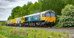 GBRf Class 66/7 no 66789 at Boughton (Nottinghamshire) on 16-05-2018 (kevaruka) Tags: boughton nottinghamshire wellow may 2018 spring colour colours color colors gbrf class66 66789 britishrail networkrail testtrain testtrack edwinstowe eastmidlands england countryside yellow blue green trains train railway rail transport clouds cloudy cloudyday cloud trees canon canoneos5dmk3 canon5dmk3 canon70200f28ismk2 5d3 5diii 5d 5dmk3 locomotive shed coal robinhood