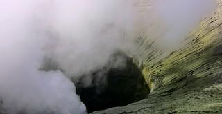 INDONESIEN, Java,  Blick in den Bromo-Krater, 17473/10039