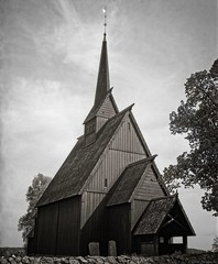 Høyord Stavkirke (Geir Bakken) Tags: mamiya rb67 film analog ilford ilfordsfx200 sfx architecture church old blackandwhite norway norge vestfold stavkirke kirke perfectbeauty