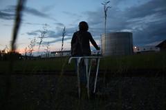Observation (snakeshepard) Tags: coucher de soleil rail portrait usine lumière nuage herbe