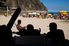 """Papo de macho"" Leme, Copacabana, Rio de Janeiro, Brasil (MUDILANE) Tags: rio brasil macho papo talking people sombra shadow leme copacabana beach summer praia sol sun mlazarevphoto leica travel colors tropical"