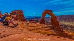 Does not look so delicate! (The Happy Traveller) Tags: moab utah unitedstates us archesnationalpark nature usnationalparks naturalbeauty