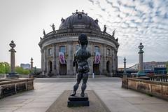 Po - Berliner Bode Museum (Thomas Feiereis) Tags: museum berlin bode skulptur