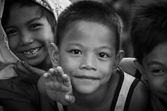 Street Kids (Manila) (frank.gronau) Tags: boy junge kinder kids strase street black white weis schwarz philippine manila alpha sony gronau frank