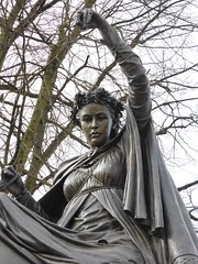 The fine lady on a white horse statue, Banbury (Alta alatis patent) Tags: banbury nursery rhyme denisedutton
