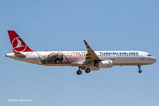TC-JTP Turkish Airlines Airbus A321-231(WL)