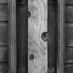 Locked (brandsvig) Tags: bw locked låst door dörr lock lås saturnus malmö factory wood trä skåne sweden sverige closed ystadsgatan