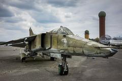 MiG-23 (Berlin-Knipser) Tags: berlin gatow flugplatzberlingatow militärhistorischesmuseumberlingatow militärhistorischesmuseumflugplatzberlingatow militärluftfahrt luftfahrt luftwaffe luftwaffenmuseum deutschland germany sonya7ii sel35f28z