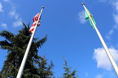 TOWARD THE SKY (PINOY PHOTOGRAPHER) Tags: seattle city washington state flagpoles united states america usa wow perfect angle view picturesque smorgasbord trek lines curves scene portrait angles frame image wonderful picture photography art flickr trip tour travel world color pov framing amazing popular interesting canon choice camera work top famous significant important item special topbill light creation awesome visual viajar litrato larawan line curve like