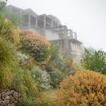 Bauruine im Nebel thumbnail