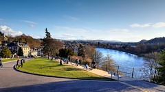 Inverness from the castle (Raúl Alejandro Rodríguez) Tags: rio river parque park calle street árboles trees bancos benches agua water nubes clouds ness inverness escocia scotland uk