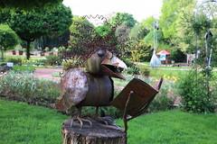 Leserabe, Jugendhilfewerkstatt (julia_HalleFotoFan) Tags: solingen botanischergarten skulpturen jugendhilfewerkstatt nordrheinwestfalen deutschland nrw