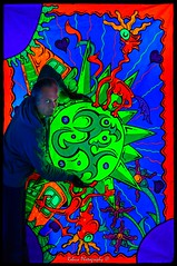 Painting by: Jeroen Bos Art (Robica Photography) Tags: jeroenbosart robicaphotography art kunst color psychedelicart 3d artgallery happy fluor neon psychedelic popart music jeroenbosch blacklight blacklightartshow uv ultraviolet uvart paintings light glow lightarts led oilpaint partytime portrait abstract illustration d3200 universe sun globe spacecraft creatures hearts