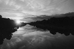 Firenze ed il suo fiume (michele.palombi) Tags: florence river arno tuscany darkroom analogic 400asa olympus om1