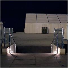 ras al khaimah 77 (beauty of all things) Tags: vae uae rasalkhaimah nachts atnight quadratisch zelt marquee treppen stairs