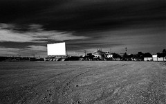 1358 (The Dent.) Tags: kodakhawkeyesurveillancefilm south australia coober pedy tmx dev 19 10 mins 2485 analogphotography nikon f100 24mm red filter desert outback wreckage