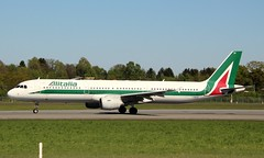 Alitalia, I-BIXS, MSN 599,Airbus A 321-112, 05.05.2018,  HAM-EDDH, Hamburg (Named: Piazza San Martino-Lucca) (henrykkonrad) Tags: alitalia ibixs airbus a321 hamburg hameddh konradhenryk