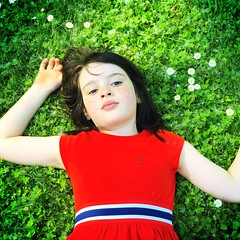 Mady at Alton Baker Park (pete4ducks) Tags: mady madelyn eugene oregon 2018 altonbakerpark iphone kid child portrait park dress green grass flowers 500views