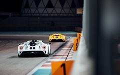 Double GT. (Alex Penfold) Tags: ford gt new 2018 yellow supercars supercar super car cars autos alex penfold yas marina uae abu dhabi white