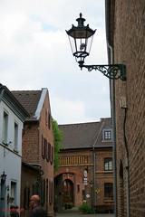 Altstadt von Kaster (Günni 52) Tags: 2018 altstadt architektur deutschland fachwerkhaus germany kaster laterne nordrheinwestfalen