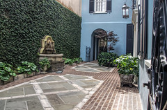 """An East Bay Courtyard"" (Photography by Sharon Farrell) Tags: 99eastbaystreet 101eastbaystreet 93eastbaystreet eastbaystreet rainbowrow rainbowrowsc rainbowrowsouthcarolina georgianstylerowhouses historiclandmarksofcharleston historichomesofcharleston charleston charlestowne charlestonsc charlestonsouthcarolina southerncharm southernliving southernstyle southernhomes preservationsocietyofcharleston historiccity cooperriverwaterfront"
