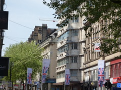 Union Jack's for the Royal Wedding 2018 in Birmingham - New Street (ell brown) Tags: flag flags unionjack britishflag royalwedding princeharry meghanmarkle royalwedding2018 birmingham banner banners sign signs newst newstbirmingham westmidlands england unitedkingdom greatbritain shop shops birminghamuk