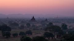 Bagan at dawn (Sunyawit Sethapokin) Tags: bagan dawn myanmar