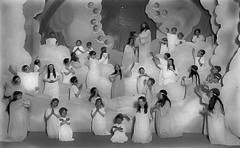 ANGELS IN BEDSHEETS (sadler0) Tags: angels play passionplay historicalphoto angel mothersdaughters