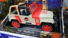 (imranbecks) Tags: jurassic world park jeep wrangler legacy collection mattel dinosaur toy winch jp18 toys toysrus singapore sg vivocity fallen kingdom matchbox car dinosaurs