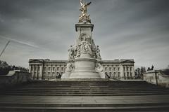 Buckingham Palace, London (marcelo.guerra.fotos) Tags: buckingham palace london uk england nikon queen oldhouse