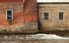 2018-04-29 16-02-16 (_MG_3303) (mikeconley) Tags: newyork eriecanal window brick river abandoned creek milton kayaderosseras usa