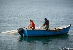 SACANDO EL TRASMALLO (josmanmelilla) Tags: melilla mar azul pwmelilla flickphotowalk pwdmelilla pwdemelilla