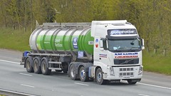 YT61 AED (panmanstan) Tags: volvo fh wagon truck lorry commercial tanker freight transport haulage vehicle a1m fairburn yorkshire