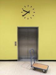Typo 2018 done (Stewf) Tags: elevator clock dolly hausderkulturenderwelt typo typoberlin