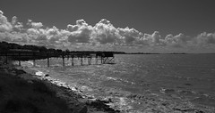 Accalmie !!! (François Tomasi) Tags: fouras landscape blackandwhite noiretblanc vue panorama yahoo google flickr françoistomasi tomasiphotography justedutalent sudouest charentemaritime france europe french reflex nikon cabaneàcarrelet photo photographie photography photoshop filtre lights light lumière iso pointdevue pointofview pov clouds cloud nuages nuage ciel sky mer sea océan eau water reflection vagues vague wave sombre dark mai 2018 nature borddemer tourisme travel voyage