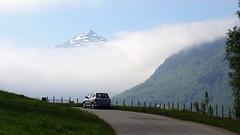 Morgentåke -|- Morning fog (erlingsi) Tags: no fog tåke keipen grevsneset noreg car road veg volda