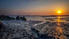 Comme dans un autre monde........ (imagene74) Tags: montstmichel baie sable plage mer sunset