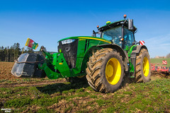 Cultivating with new JOHN DEERE 8400 R (martin_king.photo) Tags: springwork springwork2018 new johndeere8400r johndeere green trees forest landscape strong big hugemachine yellow sky blue clouds spring springishere fields agriculture huge all everything servis tschechische republik powerfull martin king photo machines agricultural greatday great czechrepublic welovefarming agriculturalmachinery farm workday working modernagriculture landwirtschaft photogoraphy photographer canon martinkingphoto love farming daily machinery work modern machine colorful colors trelleborg trelleborgtires onwheels cloudyday field explore agrohyb8400r