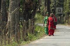 0759 Green And Red (Hrvoje Simich - gaZZda) Tags: people women outdoors walking red green traditional nepal street asia nikon nikond750 sigma150500563 gazzda hrvojesimich