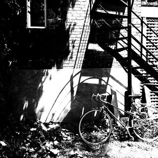 Les escaliers de secours sont dans les ruelles...