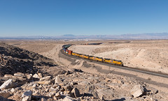 IMG_00213314_2017-09-24 (huerz) Tags: apex containerzug lasvegas up unionpacific sd70ace 8774 sd70m 5082 4753 ac44cw 6808 nevada usa güterzug