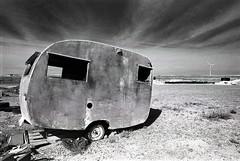 1329 (The Dent.) Tags: kodakhawkeyesurveillancefilm south australia coober pedy tmx dev 19 10 mins 2485 analogphotography nikon f100 24mm red filter desert outback wreckage