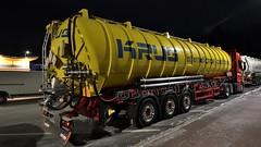 D - Krug  internationale Spedition Scania NG R450 HL (BonsaiTruck) Tags: spitzer drucksilo vakuumsilo krug scania ng r450 highline lkw lastwagen lastzug silozug truck trucks lorry lorries camion caminhoes silo bulk citerne powdertank