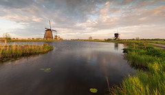 Beautiful light in Kinderdijk (Wim. Boon.) Tags: wimboon windmill sunset spring lente molen kinderdijk unescoworldheritage zonsondergang leelandscapepolariser leefilternd09softgrad holland nederland netherlands natuur nature windmills