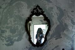 1↝ (yoliwonka) Tags: selfie mirror espejo girl camera reflex camara cámara photography photo foto fotografía fotografia effect efectos efecto reflejo spain chica pointofview pov montaje throughherlens people